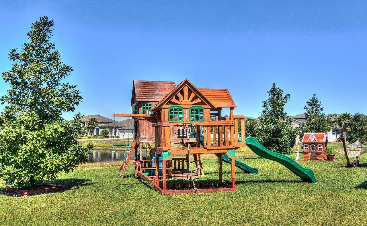 Kinder Spielgeräte Garten